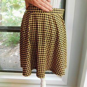 Asos houndstooth yellow skate skirt size 6